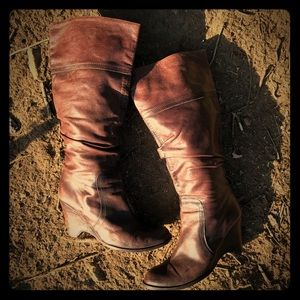 Shoes - Beautiful Leather Boots
